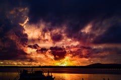Faszinierender Sonnenuntergang Lizenzfreies Stockfoto