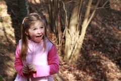 Fasziniertes kleines Mädchen Lizenzfreies Stockfoto