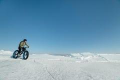Fatbike et x28 ; gros bike& x29 de vélo ou de gros-pneu ; Photographie stock libre de droits