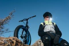 Fatbike fet cykel eller fett-gummihjul cykel Arkivbilder
