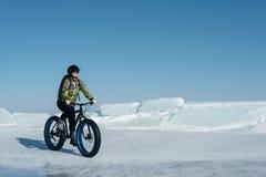 Fatbike u. x28; fettes Fahrrad oder Fettreifen bike& x29; Stockbilder