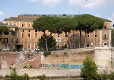 Fatebenefratelli Hospital with Tiber River in the foreground, Rome. Pictured is the Fatebenefratelli Hospital with the Tiber River in the foreground in Rome Stock Photo
