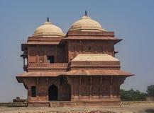 Fatehpur Sikri - старые руины в ПОДНИМАЮЩЕЙ ВВЕРХ Индии стоковые фотографии rf