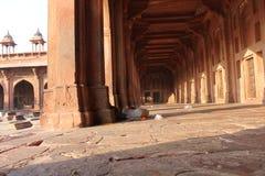 Fatehpur Sikri, kolonnaddetalj Royaltyfria Bilder