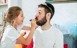 Free Father And His Six Years Kid Girl At Home Royalty Free Stock Photo - 119223175