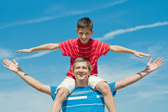 Free Father And His Son Plays Outdoors Royalty Free Stock Photos - 10684628