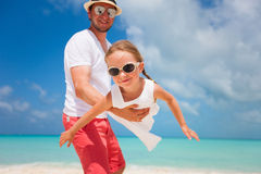 Father and daughter at beach Royalty Free Stock Photography