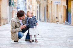 Father and daughter in city Royalty Free Stock Photography