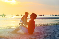 Father and little daughter at sunset Royalty Free Stock Photos