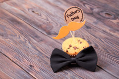 Father`s Day card and muffin. Royalty Free Stock Images