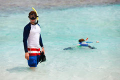 Father and son snorkeling Royalty Free Stock Photos