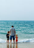Father with two kids o Royalty Free Stock Photos