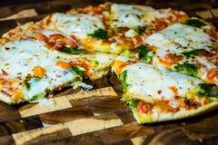 Fatia comida de Oven Home Made Pizza quente delicioso perfeito Fotografia de Stock Royalty Free