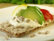Fatia da dieta de pão com abacate Imagem de Stock Royalty Free