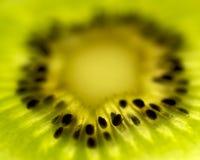 Fatia da fruta de quivi Fotos de Stock