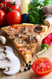 Fatia da pizza Imagem de Stock Royalty Free