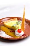 Fatia da torta do limão Fotografia de Stock