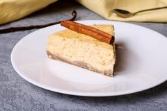Fatia de bolo de queijo da abóbora Imagens de Stock Royalty Free