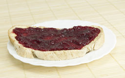 Fatia de pão com atolamento. Fotografia de Stock Royalty Free