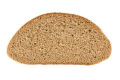 Fatia de pão de centeio isolada no branco Imagens de Stock Royalty Free