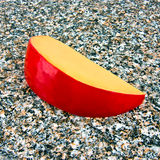 Fatia de queijo do Edam Fotografia de Stock