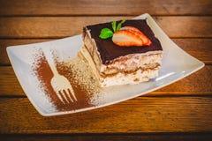 Fatia do bolo do Tiramisu Fotografia de Stock