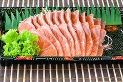 Fatia salmon crua do sashimi no estilo japonês do alimento Foto de Stock Royalty Free