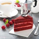 Fatia vermelha do bolo de veludo imagem de stock