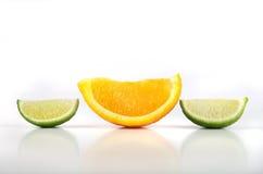 Fatias da laranja e do cal Foto de Stock Royalty Free