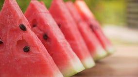 Fatias da melancia em seguido na tabela filme