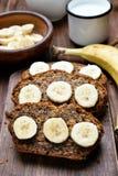 Fatias de pão de banana Fotografia de Stock Royalty Free