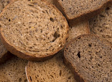 Fatias de pão de centeio escuro Foto de Stock