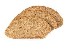 Fatias de pão de centeio isoladas no branco Foto de Stock