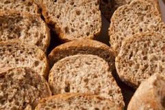 Fatias de pão de wholemeal Imagens de Stock