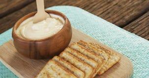 Fatias de pão e de queijo video estoque