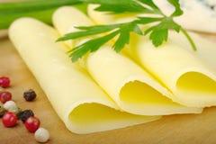Fatias de queijo Fotografia de Stock Royalty Free