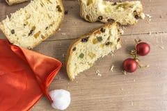 Fatias de sobremesa italiana tradicional do Natal fotos de stock