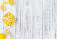 Fatias feitas frescas do limão foto de stock royalty free