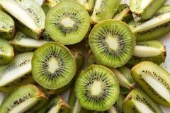 Fatias frescas da fruta de quivi fotografia de stock