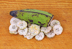 Fatias secadas da banana do Plantain Fotos de Stock Royalty Free