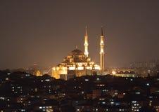 Fatih sułtanu Camii Mosqueat noc Istanbuł, Turcja Fotografia Royalty Free