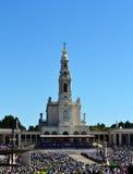 Fatima Sanctuary e pellegrini Immagini Stock