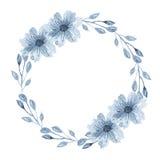 Fattar den indigoblå blom- kransen för vattenfärgen med, blommor, filialen och abstrakt begreppsidor Arkivfoto