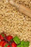 Fatte italiano della pasta di Orecchiette un mano Fotografia Stock Libera da Diritti