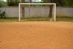 Fattig fotboll. Fotografering för Bildbyråer