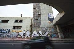 Fattigt och degraderat område på Piraeus - Grekland Arkivbilder