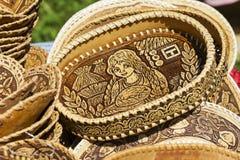 Fatto a mano dei manoscritti della corteccia di betulla e delle stoviglie ambientali fatti di legno Fotografia Stock Libera da Diritti