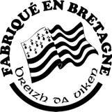 Fatto nelle etichette del ` di Bretagna vector i modelli con firma dentro le lingue francesi e bretoni Fotografie Stock Libere da Diritti