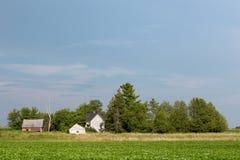 Fattoria rurale abbandonata con lo spazio della copia Fotografie Stock Libere da Diritti