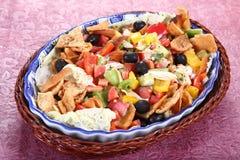 Fattoush, αραβική σαλάτα, ζωηρόχρωμη πεταγμένη σαλάτα στοκ εικόνα